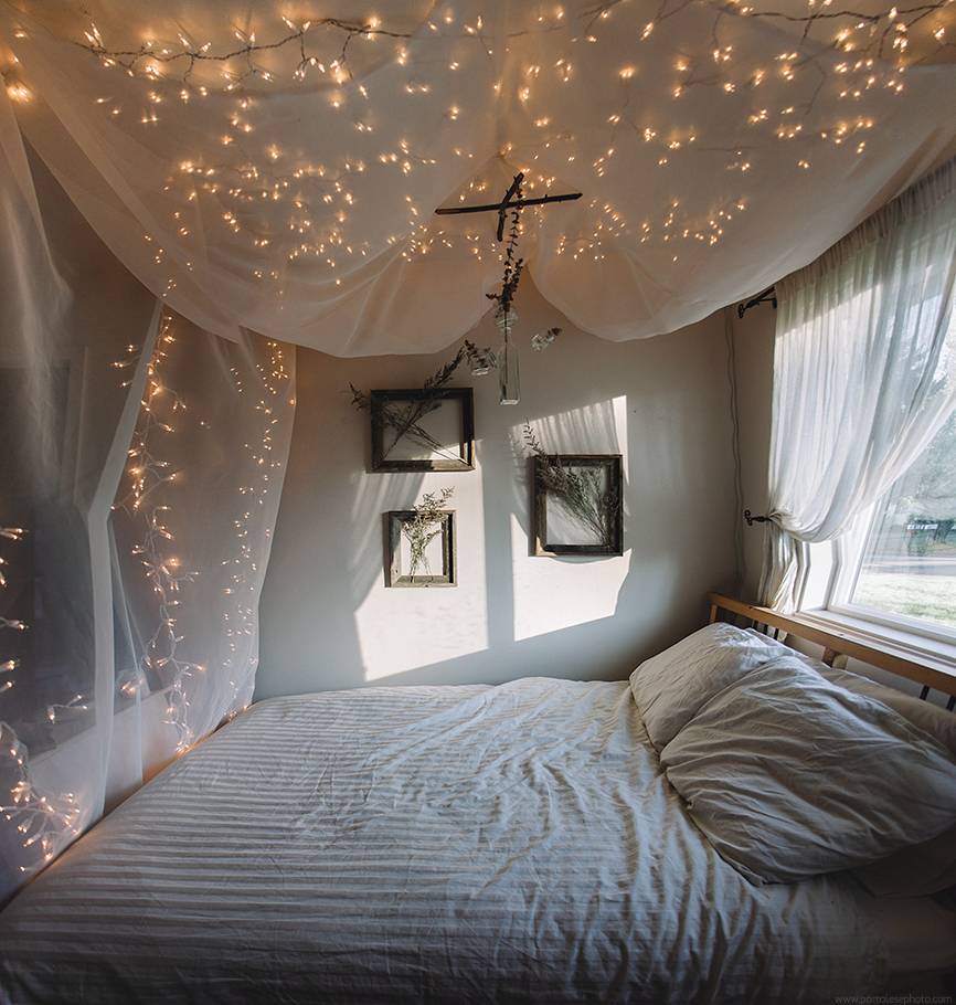 DIYString Light Bed CanopyCreate your own dreamy bedroom canopy & String Light Bed Canopy - Jacquelyn Portolese | Seattle Wedding + ...