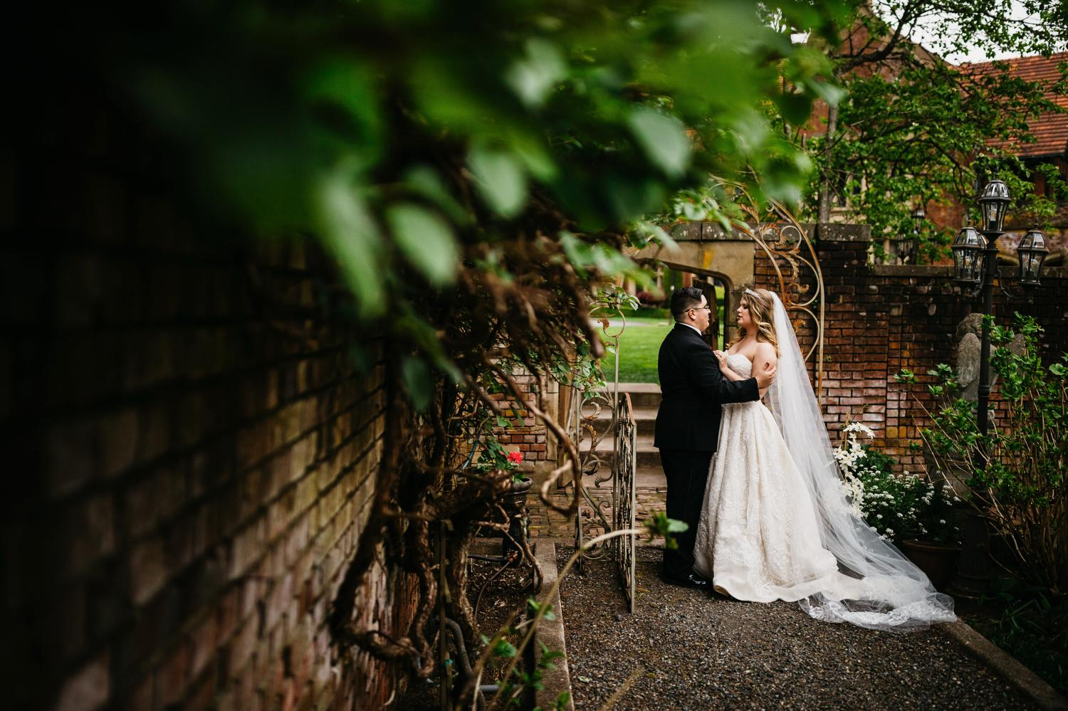 thornewood castle wedding portrait